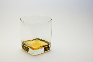 1254218_glass_of_whiskey.jpg