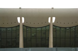 169329_dulles_under_the_eave.jpg